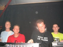 Foto's, Illegal Vibes, 20 november 2004, Oostpoort, Harlingen