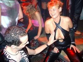foto Erotic New Years Vibe, 1 januari 2005, Hemkade, Zaandam #134088
