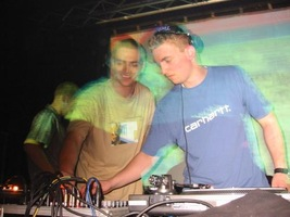 foto Basic Grooves: Acid Attack!, 16 mei 2002, Atak, Enschede #13821