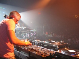 foto Hard Bass, 2 april 2005, SilverDome, Zoetermeer #150974
