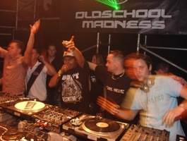 foto Oldschool madness, 2 september 2006, Go Planet Expo Hall, Enschede #275439