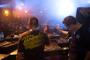 foto Showtek World Tour, 5 december 2009, Zak, Uelsen #560931