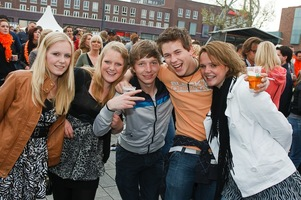 foto Absolutely Queensday, 30 april 2010, Van Heekplein, Enschede #585557