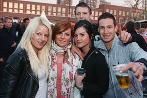 foto Absolutely Queensday, 30 april 2010, Van Heekplein, Enschede #585587