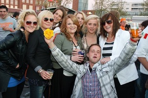foto Absolutely Queensday, 30 april 2010, Van Heekplein, Enschede #585590
