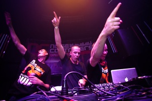 foto Noisecontrollers, 8 mei 2010, Outland, Rotterdam #587734