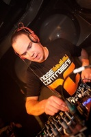 foto Noisecontrollers, 8 mei 2010, Outland, Rotterdam #587760