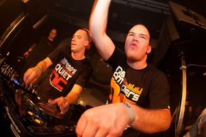 foto Noisecontrollers, 8 mei 2010, Outland, Rotterdam #587797