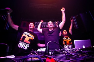 foto Noisecontrollers, 8 mei 2010, Outland, Rotterdam #587815