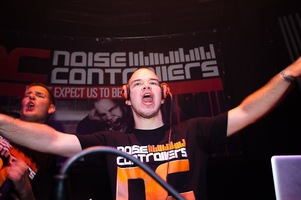 foto Noisecontrollers, 8 mei 2010, Outland, Rotterdam #587817