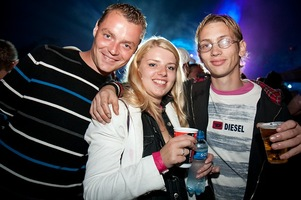foto Q-BASE, 11 september 2010, Airport Weeze, Weeze #616579