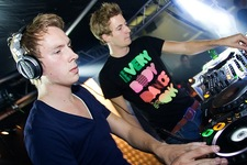 Foto's, Raw bass, 25 september 2010, Absoluut, Sint-Michielsgestel