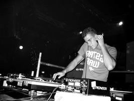 foto Hardhouse Generation, 23 december 2003, The Challenge, Hoofddorp #76839