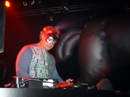 foto Dresscode Fantasy World, 11 april 2004, Kingdom the Venue, Amsterdam #90874