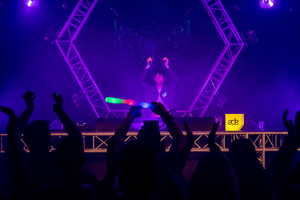 foto Frontliner Neon Showcase, 21 oktober 2017, World Fashion Centre, Amsterdam #927761
