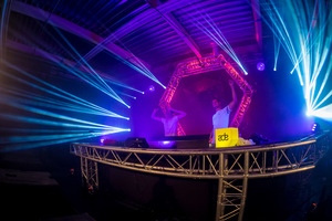 foto Frontliner Neon Showcase, 21 oktober 2017, World Fashion Centre, Amsterdam #927783
