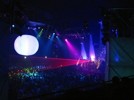foto Qontact, 29 april 2004, Heineken Music Hall, Amsterdam #93705